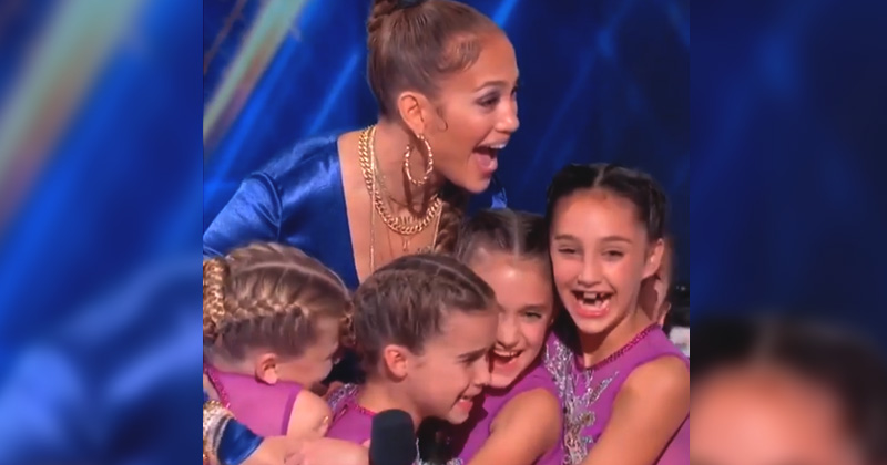 Jennifer Lopez hugged The Crazy 8's - best moment from World Of Dance