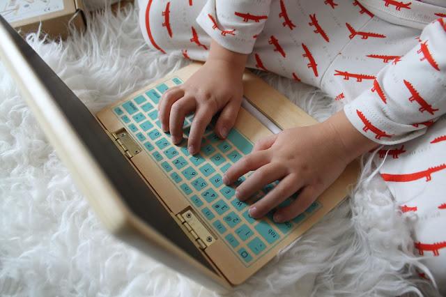 Spielzeug Bloomingville Laptop concept store tausendkind weihnachtsgeschenke trixi schlafanzug krokodile Jules kleines Freudenhaus