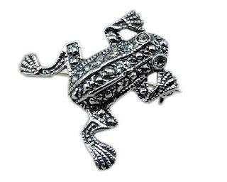 Broszka  żaba ze srebra
