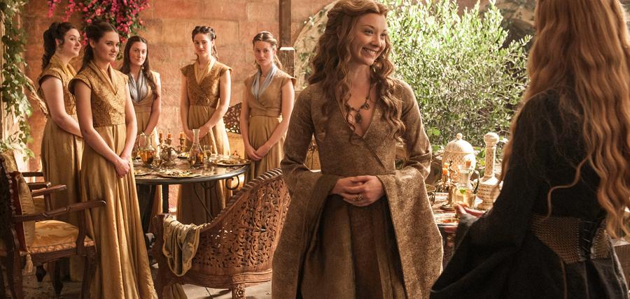 Natalie Dormer în rolul lui Margaery Tyrell şi Lena Headey în rolul Cersei Lannister
