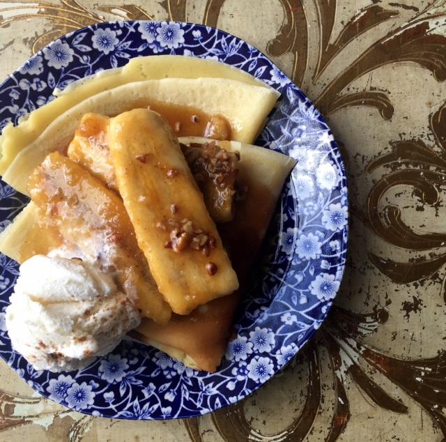 Euna Mae's : bananas foster crepes