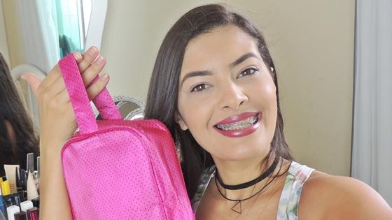 Necessaire de maquiagem para viagem