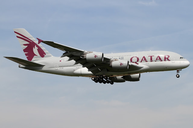 qatar airways airbus a380-800 landing gear down