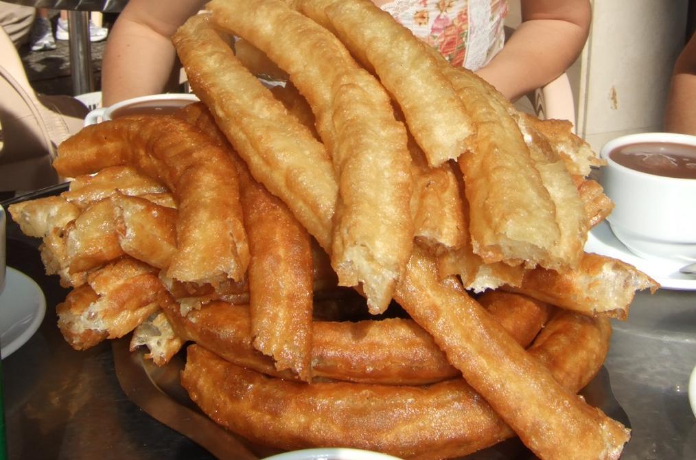 Domingo de ¿qué?...no sé de momento desayuno para todos ... jajjajaja-http://2.bp.blogspot.com/-TXezJk07iEU/TvYV8kLvQQI/AAAAAAAAADA/gfDtTB5JwGk/s1600/Churros.JPG