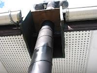 二重煙突を固定する