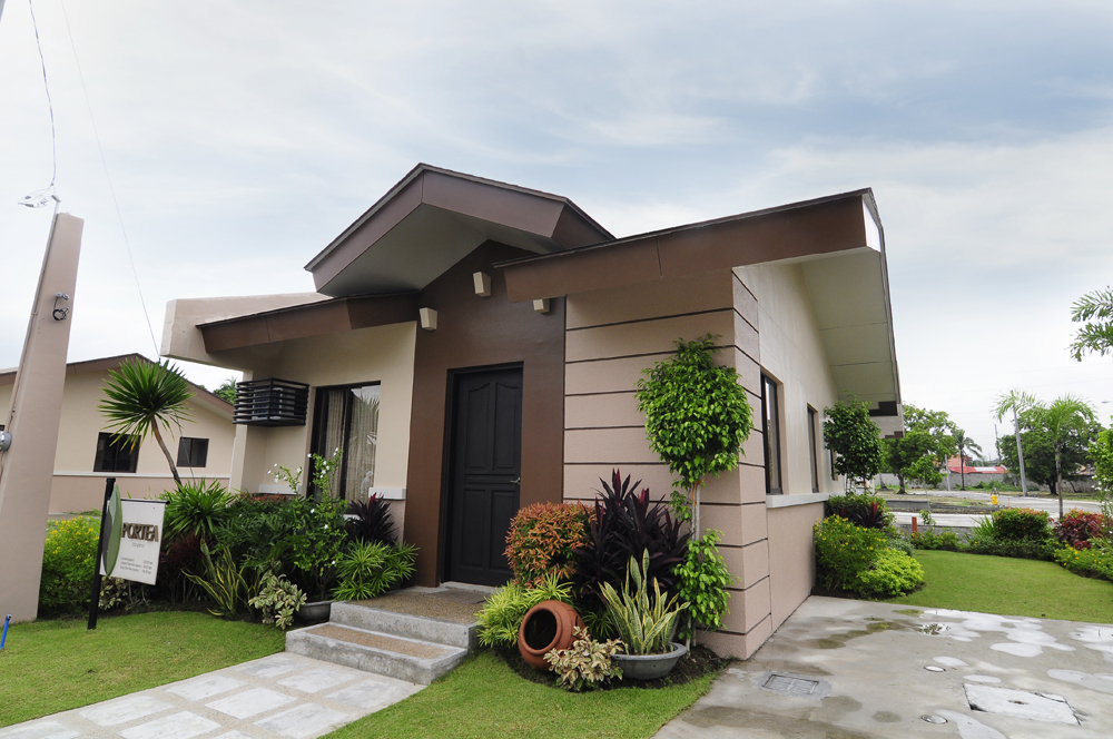 Small modern house design philippines House and home design