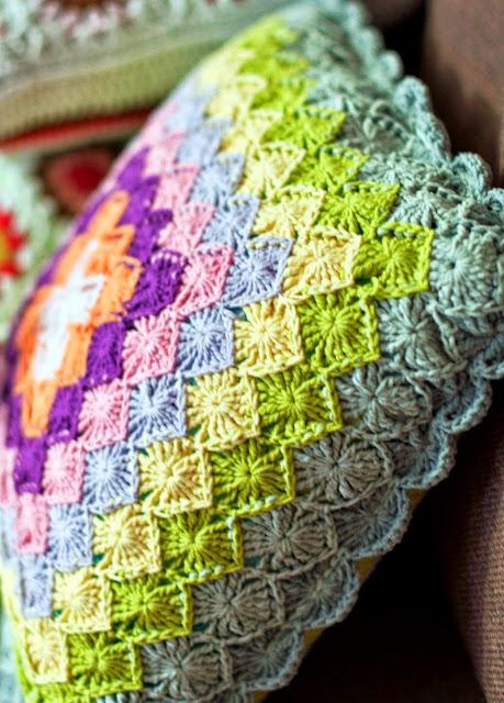 Beautiful pattern of crochet square flowers