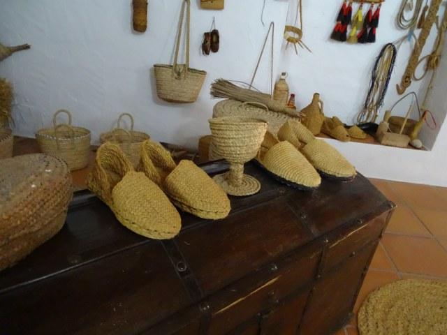 pleita esparto alpargata el gastor artesanos cadiz andalucia hoja de palma