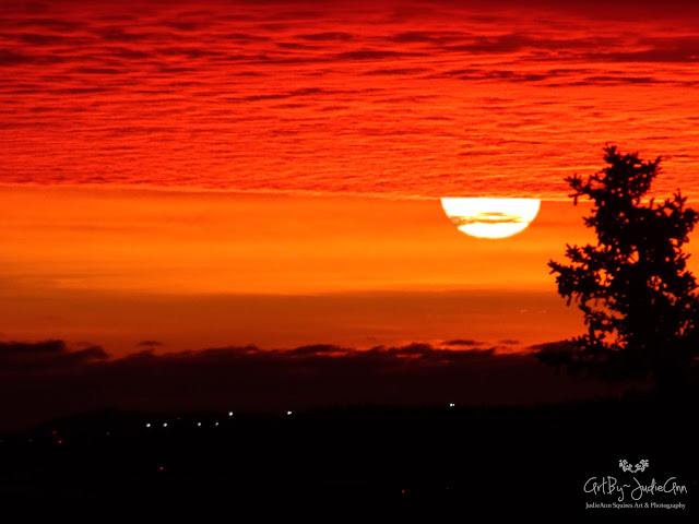 Red Sunrise 9 Photos + Video