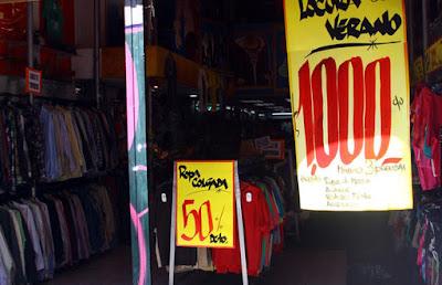 , Calle Bandera: Precios Irrisorios de ropa en pleno centro de Santiago de chile, Compras en Santiago de Chile, Compras en Santiago de Chile