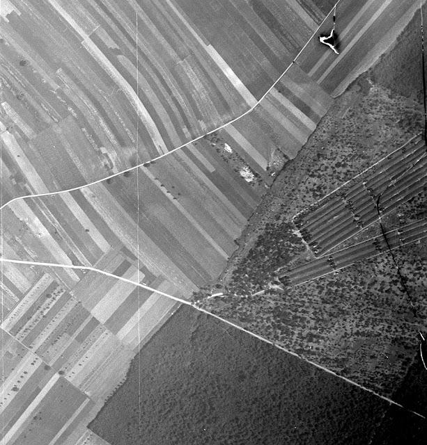 Champ de tir de Wolfgantzen en 1933 — la casemate d'instruction n'a pas encore été construite (source Geoportail IGNF_PVA_1-0__1933-07-05__C3817-0101_1933_NP5R3_0018)