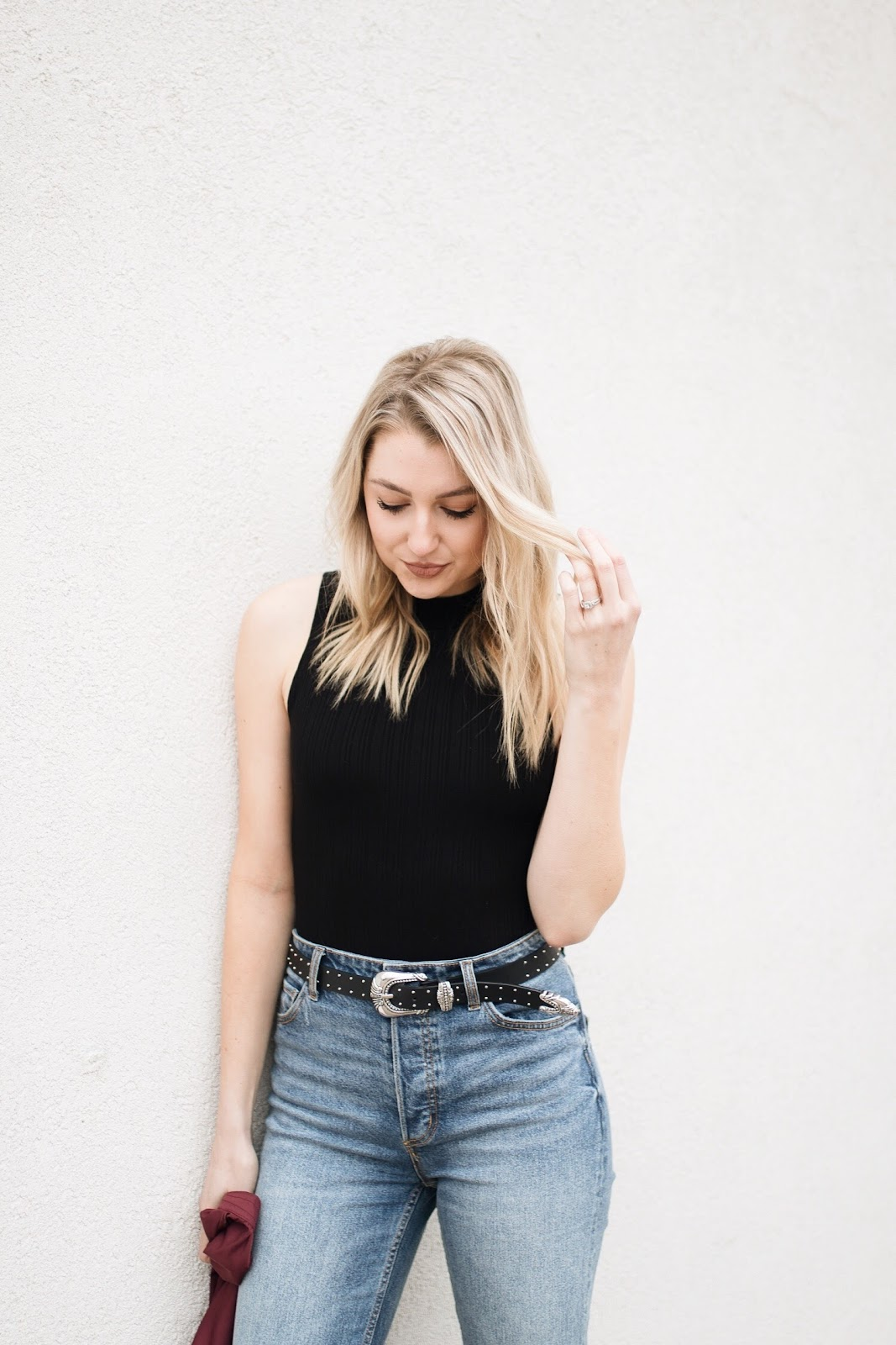 Bodysuit with high-waisted jeans