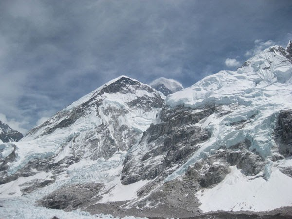 Base camp trek  Nepal  organized by the Everest trek agency