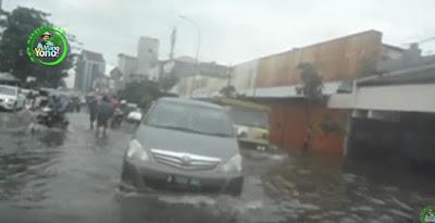 Banjir di Sekitar Perempatan Grogol, Jakarta Barat, Selasa 21/02/2017