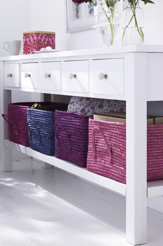 I d e a cestas mimbre for Como decorar un aparador