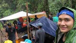 Cerita pendaki gunung cantik Medina Kamil, Wanita Tangguh Indonesia yang hobi Mendaki Gunung