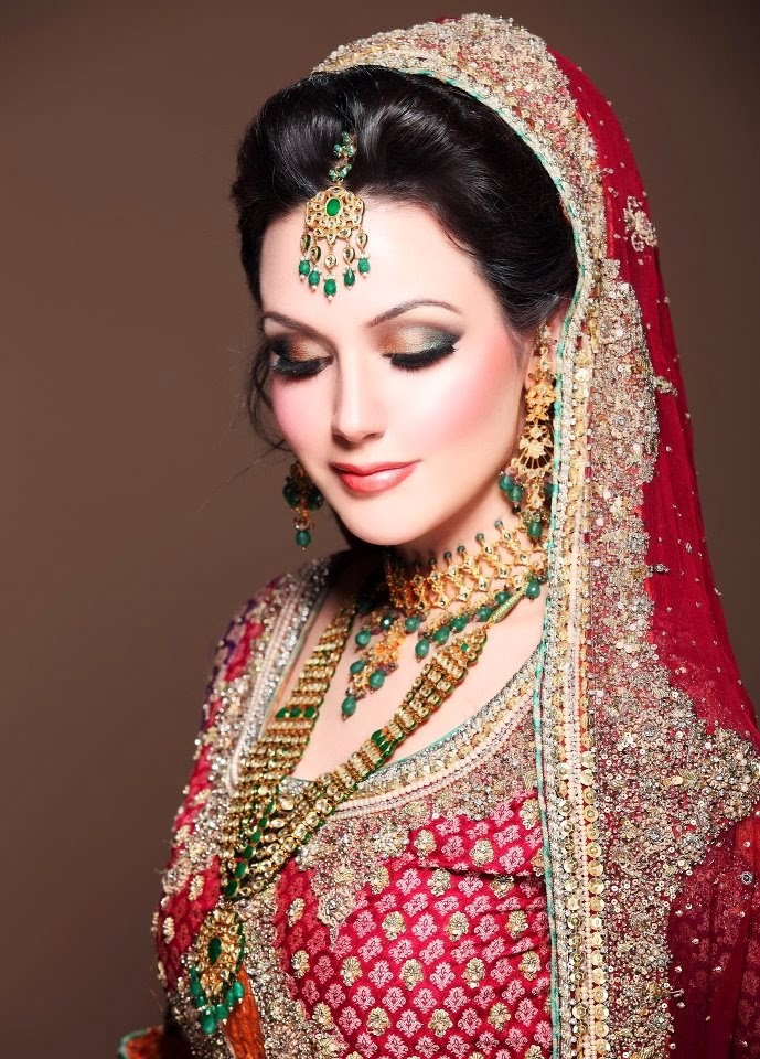 Trendy Indian Wedding Party Wear Ladies Designer Anarkali: Trendy Indian And Pakistani Makeup Ideas For Young Brides