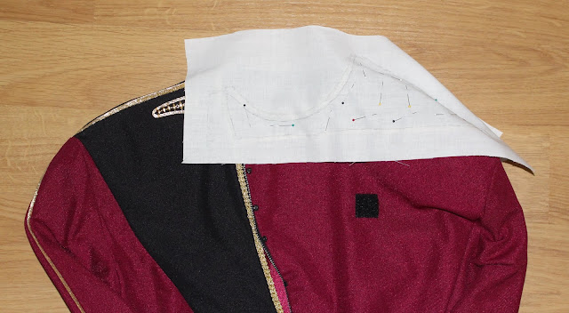 Free TNG season 1 admiral jacket pattern!