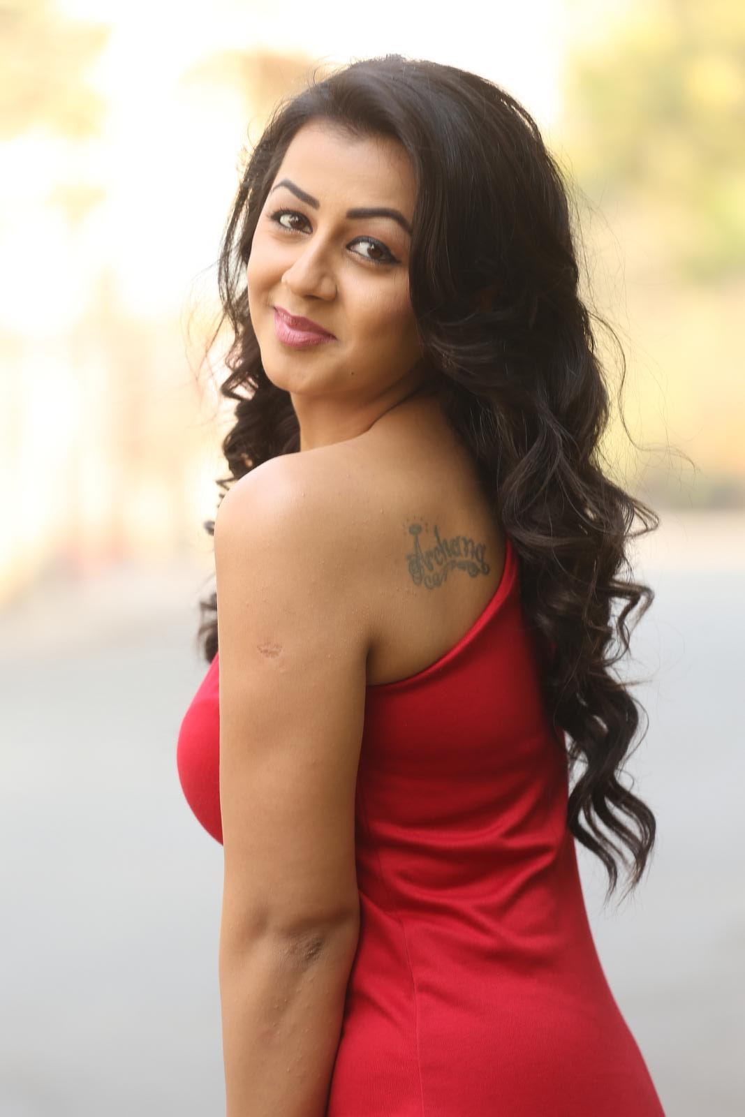 HQ Pics N Galleries !!: Actress Nikki Galarani New