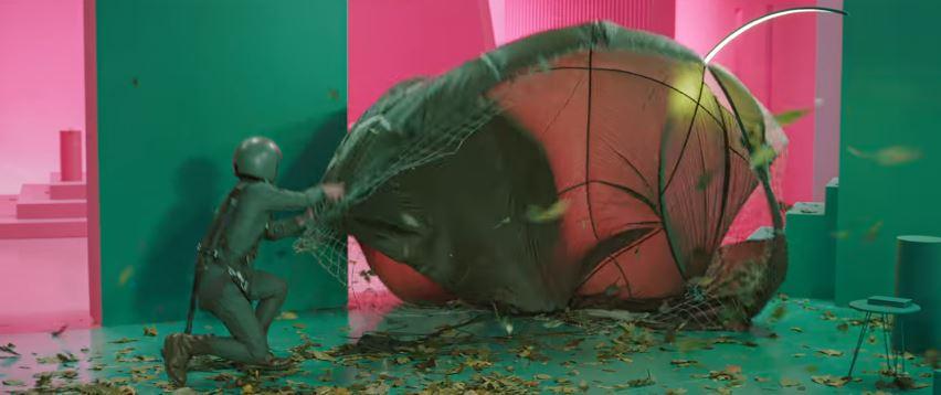 Chi è il testimonial di Enel Energia pubblicità con paracadutista foglie e vento con Foto - Spot Pubblicitario Enel Energia 2016