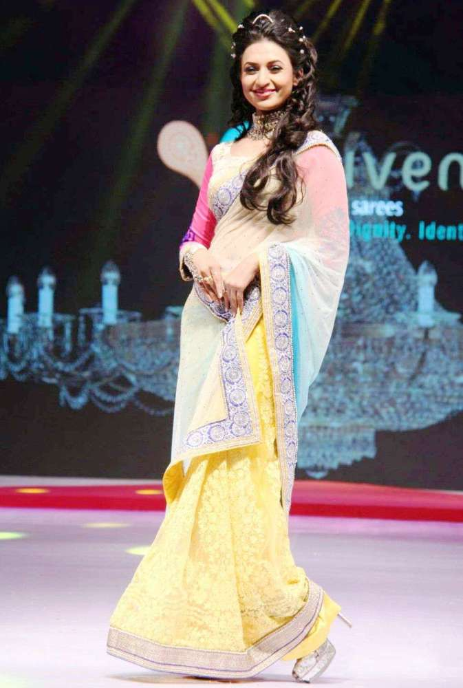Divyanka Tripathi Physical Appearance