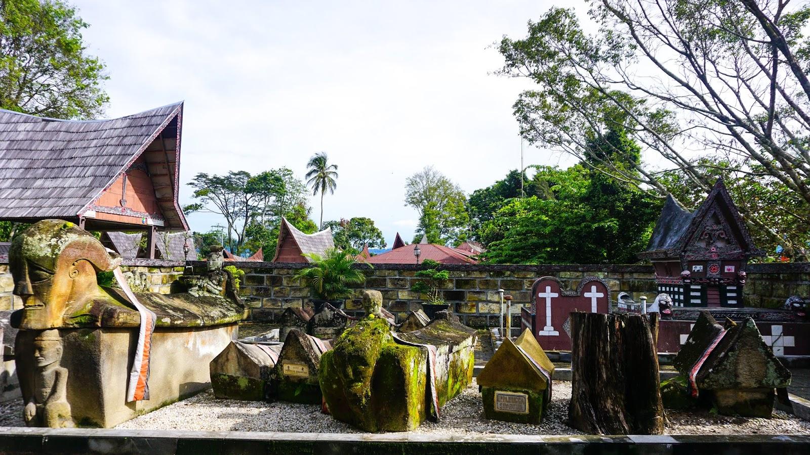 Makam-Raja-Sidabutar-(2).jpg