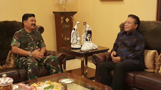Panglima TNI Silaturahmi dengan Marsekal TNI (Purn) Djoko Suyanto