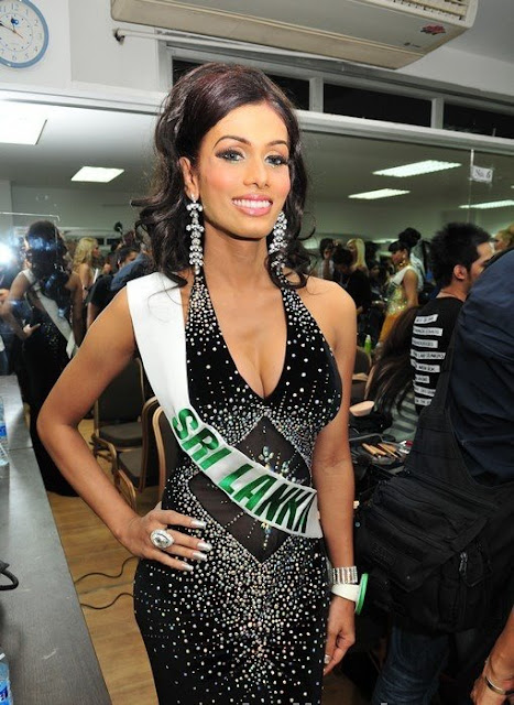 VIDEO: Pushpika crowned Miss Sri Lanka 2011