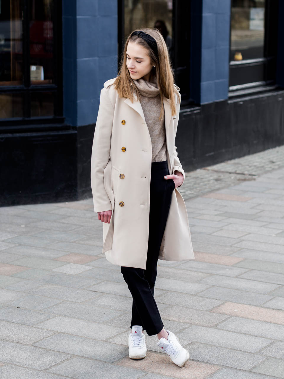 trench-coat-outfit-fashion-blogger-neutral-tones