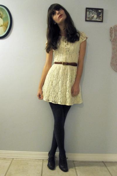 Dress And Stocking 109