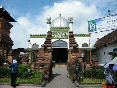masjid menara kudus di jawa tengah
