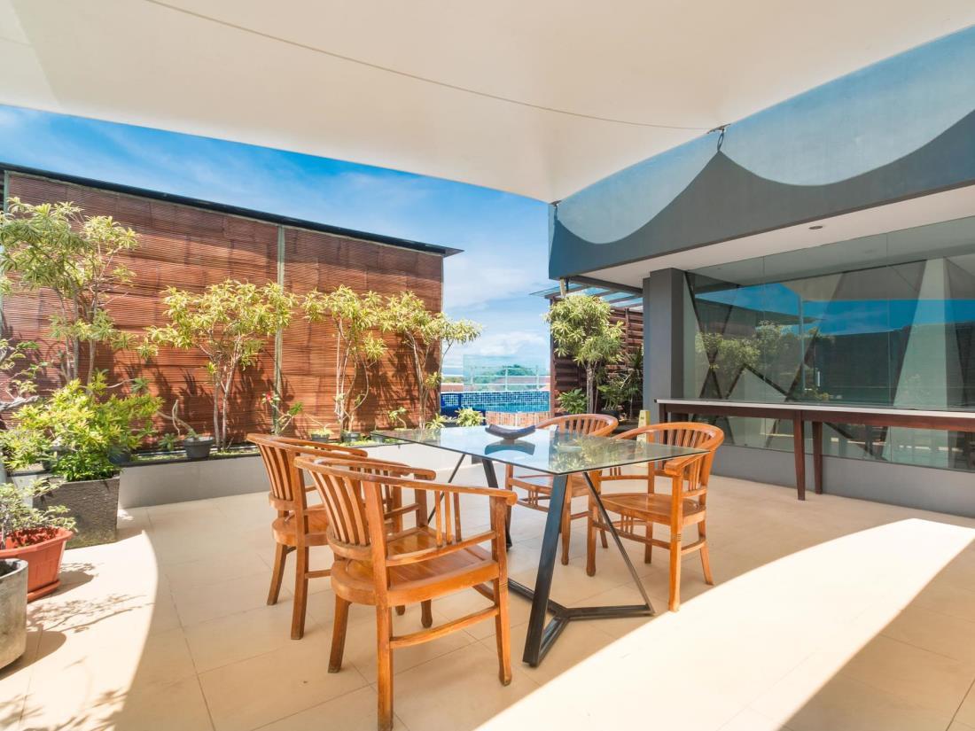 A Residence Kuta Bali 27