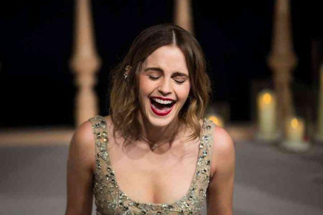Emma Watson Latest Hot Pics