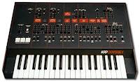 Fotografía de un teclado ARP Odyssey