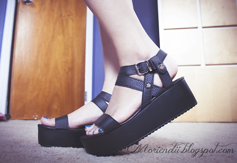 bc1c55209664 What does FFA think of platform flats  I m talking about shoes that look  like  this