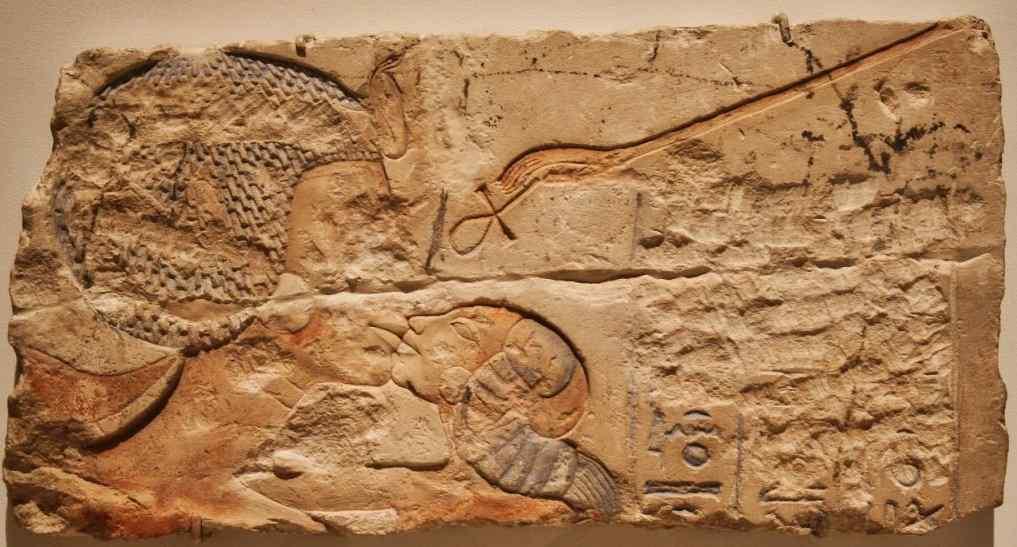 Nefertiti and daughter