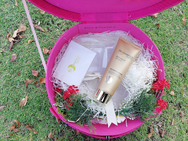 BIO ESSENCE 24K GOLD RADIANCE CLEANSER DAN GOLD WATER DENGAN BIO ENERGY COMPLEX