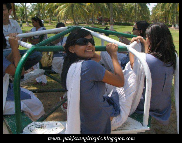 Pakistani Girls Pictures Gallery Desi School Girl Uniform-5852