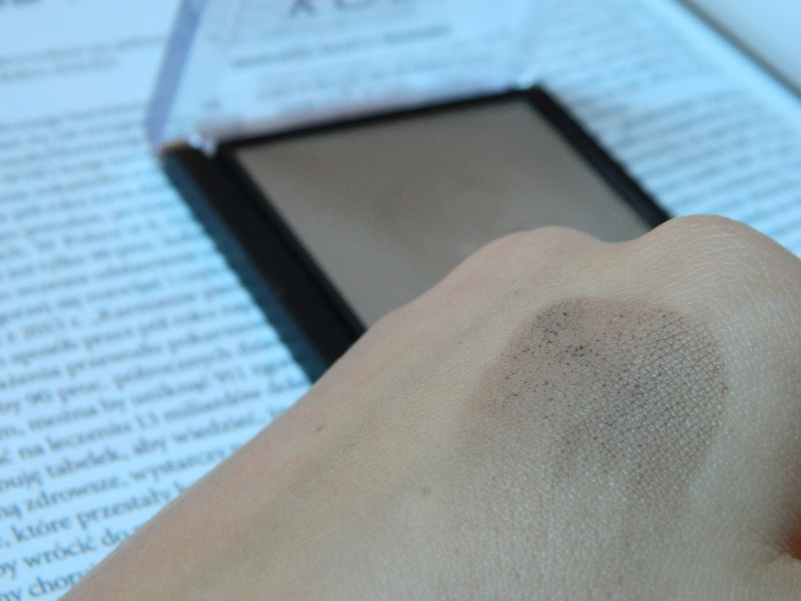 matt bronzing & contouring powder kobo
