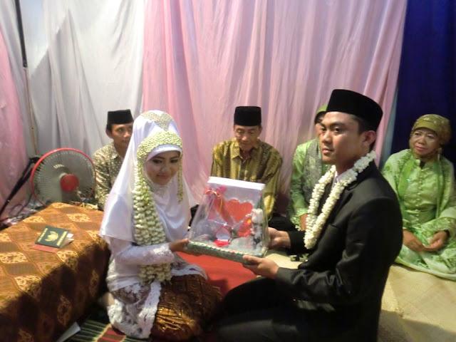 Muslimah Jangan Membebani Calon Suamimu Dengan Mahar Yang Berlebihan Agar Pernikahanmu Menjadi Berkah