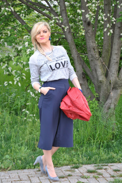 felpa grigia kiabi con scritta do all things with love felpa cab ss 2016 outfit grigio come abbinare il grigio abbinamenti grigio grey sweatshirt how to wear grey sweatshirt how to combine grey sweatshirt sweatshirt do all things with love spring outfit outfit aprile 2016 outfit primaverili mariafelicia magno fashion blogger color block by felym fashion blogger italiane fashion blog italiani fashion blogger milano blogger italiane blogger italiane di moda blog di moda italiani ragazze bionde blonde hair blondie blonde girl fashion bloggers italy italian fashion bloggers influencer italiane italian influencer