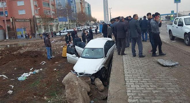 Bismil-Diyarbakır Karayolunda trafik kazası: 2 yaralı