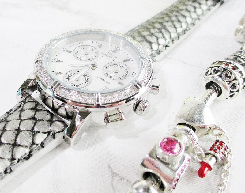 beautiful-holiday-gifts-from-evine-invicta-watch