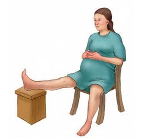 Hướng dẫn các mẹ thực hiện các bài tập giảm đau khi chuyển dạ