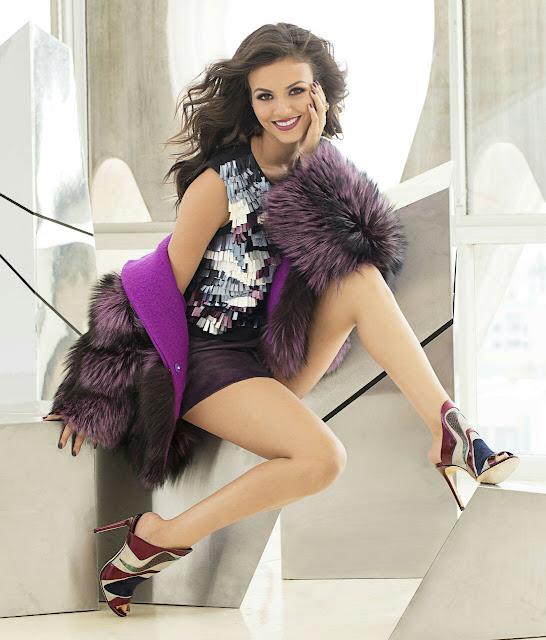 Victoria Justice Hot Legs