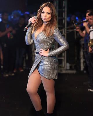 Resultado de imagem para fotos atuais da cantora solange almeida