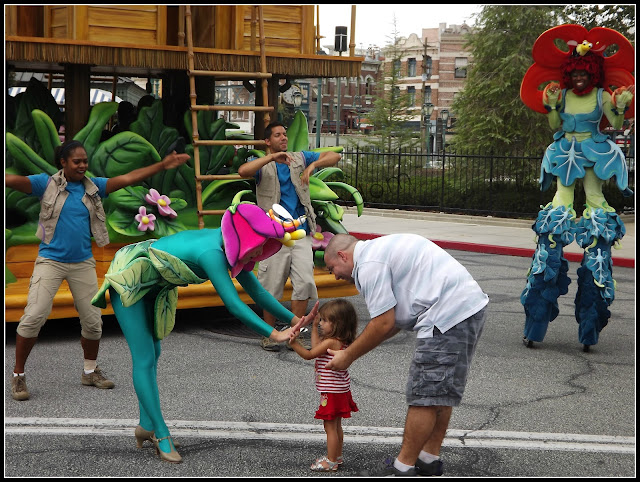 dancing with Universal Studio Characters