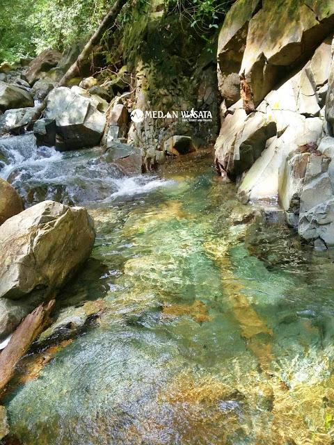 Air Terjun Simempar yang Menawan Hati