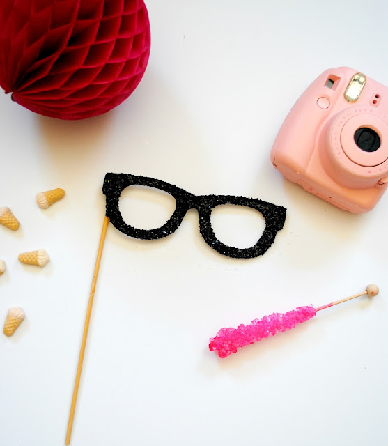 Glitter glasses photo booth prop avaialable at https://www.etsy.com/shop/FizzyParty