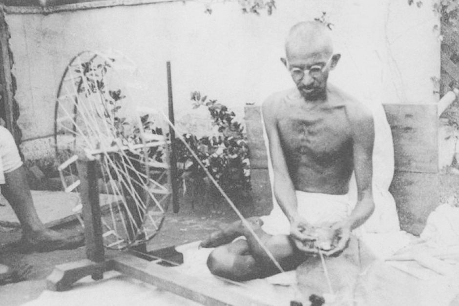 A biography of mahatma gandhi a leader in the indian independence movement